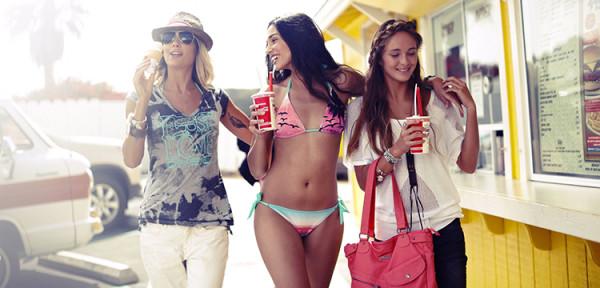 przyjaciółki plaża wakacje szleństwo