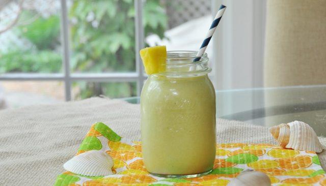 koktajl z mango i pinacoladą