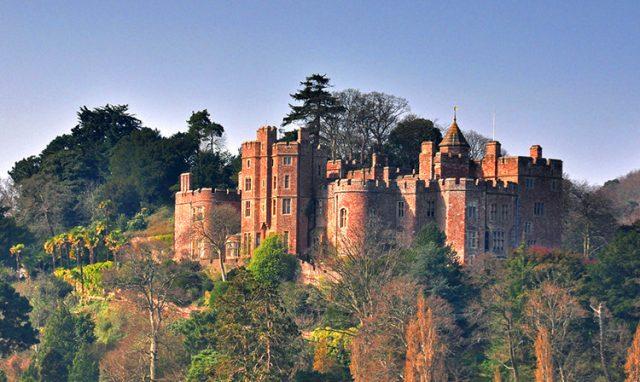 zamek w dunser pięknym angielskim miasteczku