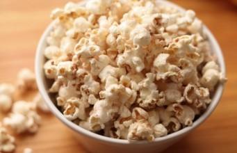 ile-kalorii-ma-popcorn