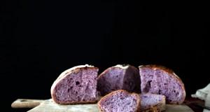 fioletowy chleb