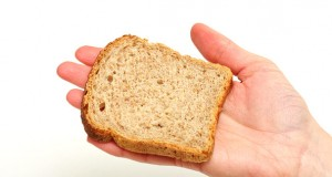 ile-kalorii-ma-kromka-chleba