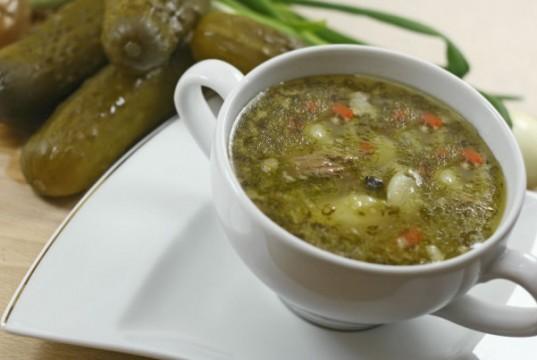 ile-kalorii-ma-zupa-ogorkowa