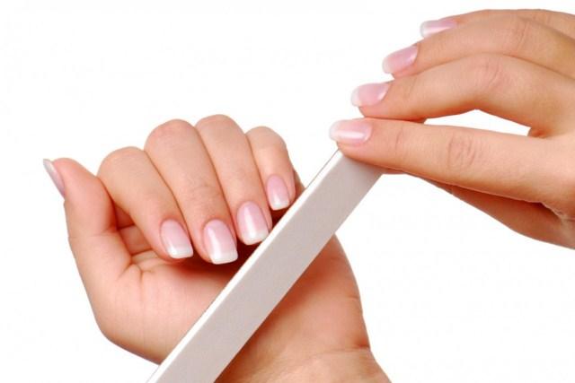 pilowanie-paznokci