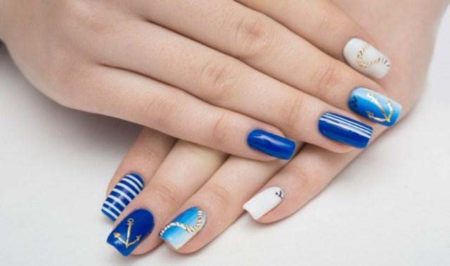 niebieskie-paznokcie