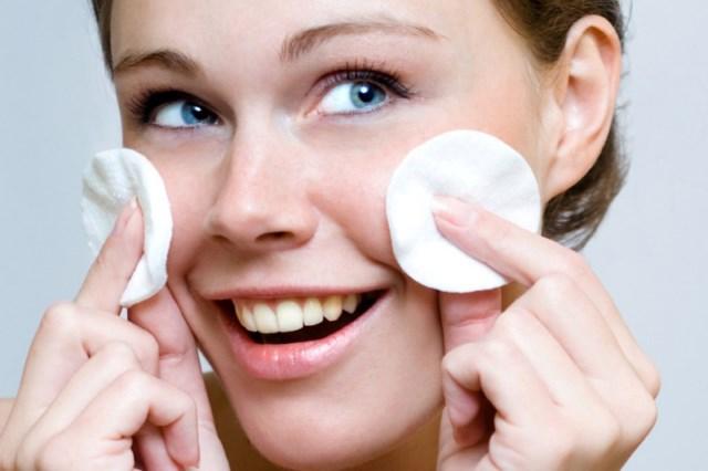 olejowe-oczyszczanie-twarzy
