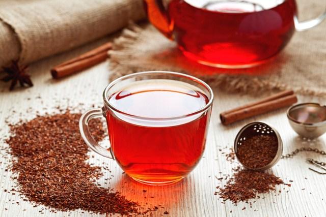 czerwona-herbata-na-trawienie-i-przejedzenie.jpg