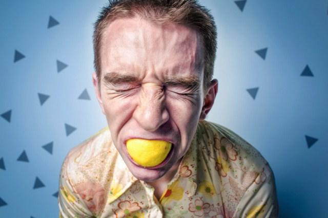 kwasne-odbijanie-po-jedzeniu