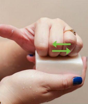 czyszczenie-paznokci