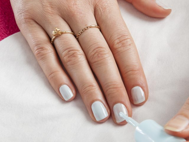 jak zrobić manicure ombre