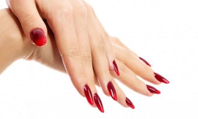 paznokcie-ombre-czerwone