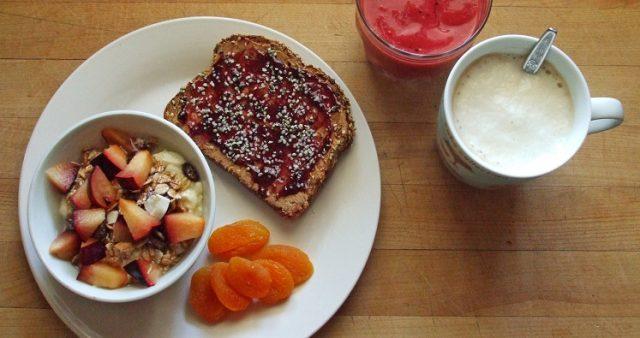 przepis na śniadanie z tostów z dżemem