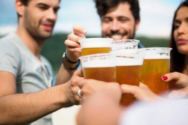picie-piwa-oczyszcza-nerki
