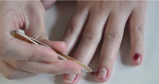 sciaganie-paznokci-zelowych-2