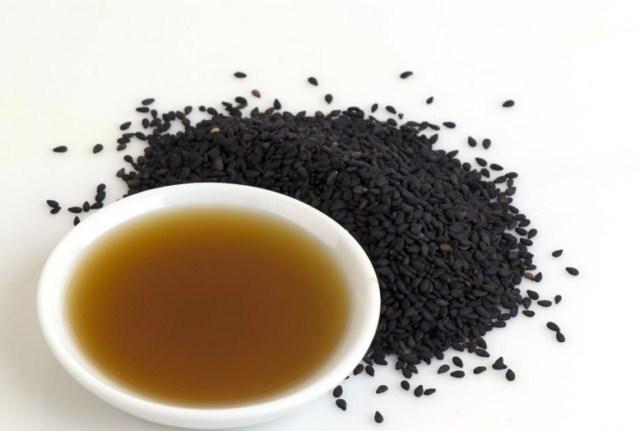 na-co-pomaga-olej-z-czarnuszki
