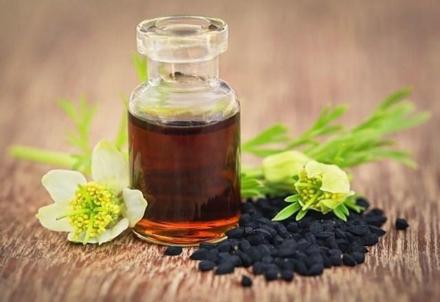olej-z-czarnuszki-jak-stosowac