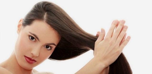 masaż-głowy-martwe-włosy-sposoby