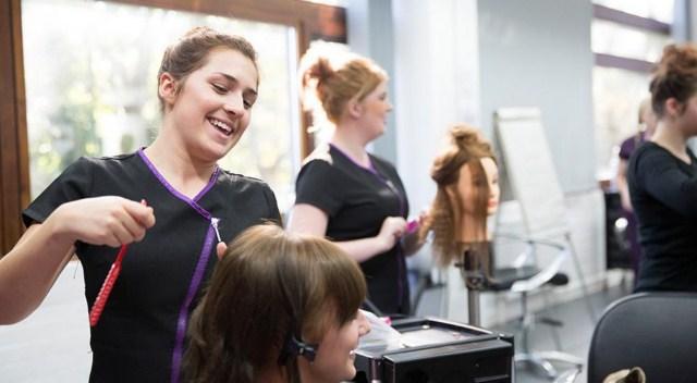 regeneracja-włosów-u-fryzjera