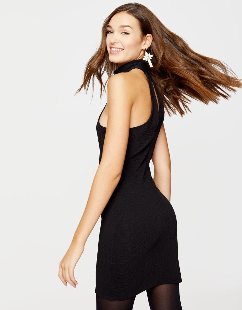 czarna-sukienka