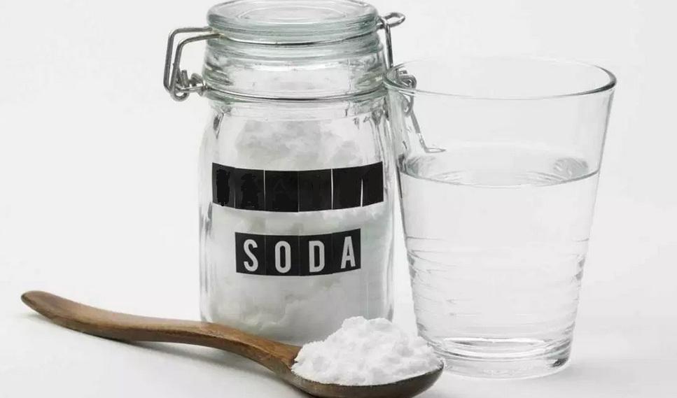 soda-oczyszczona-na-zaparcia