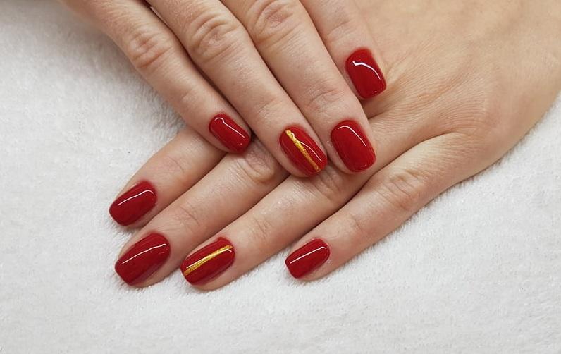 czerwone-paznokcie-do-czerwonej-sukienki