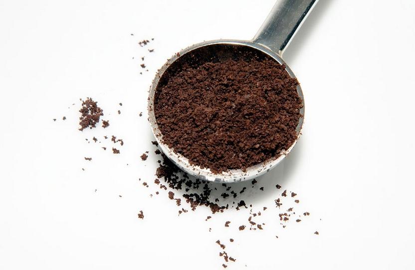 maseczka-zluszczajaca-z-kawy-mleka