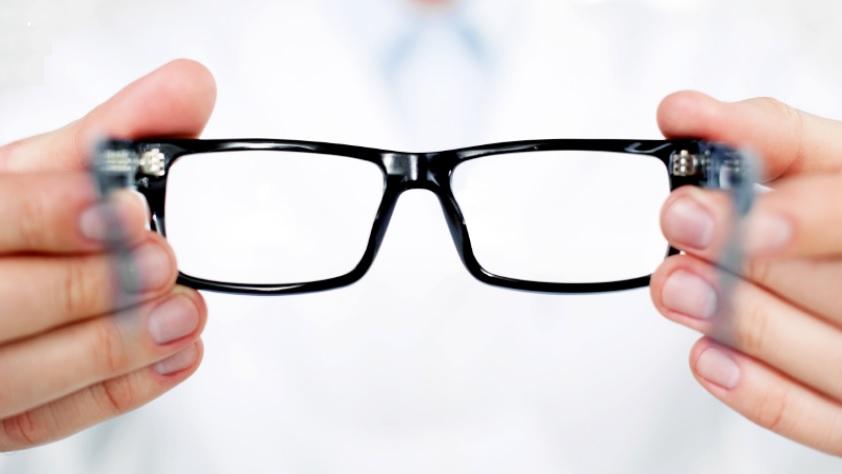 jak-dbac-o-okulary