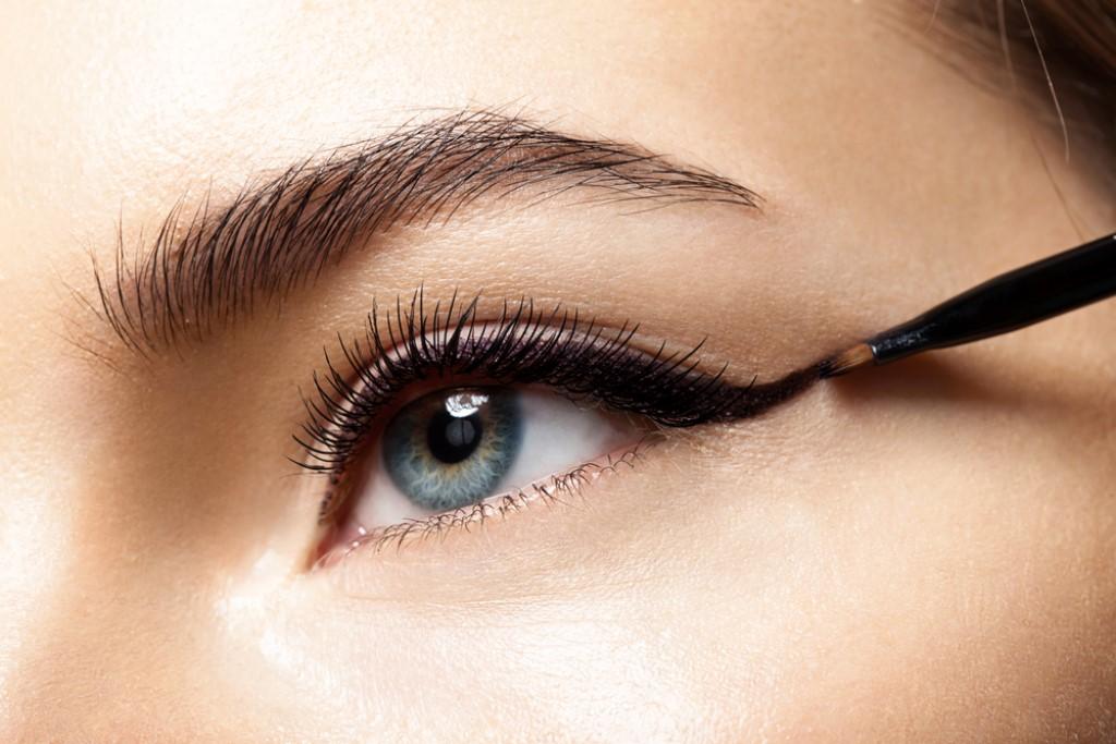 najlepszy-eyeliner