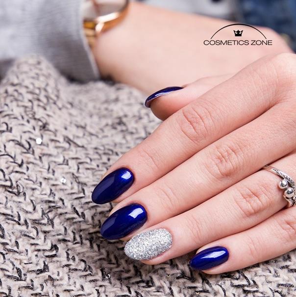 paznokcie-hybrydowe-niebieskie-migdaly