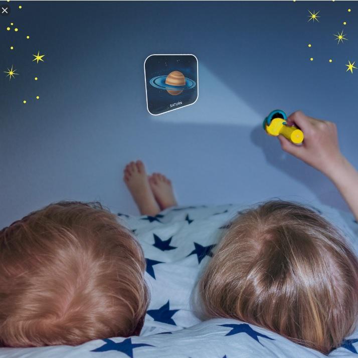 latarka-z-projektorem-slajdow