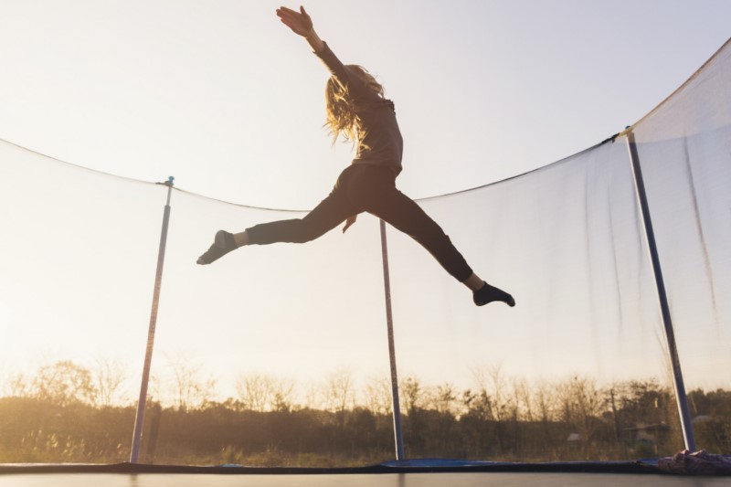 5 powodów, dla których skakanie na trampolinie jest dobre dla twojego zdrowia