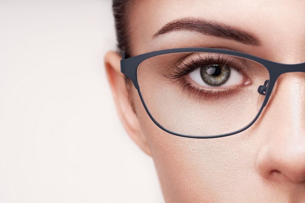 Jak dobrać okulary do kształtu twarzy