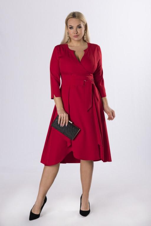 czerwona-sukienka-w-rozmiarze-plus-size