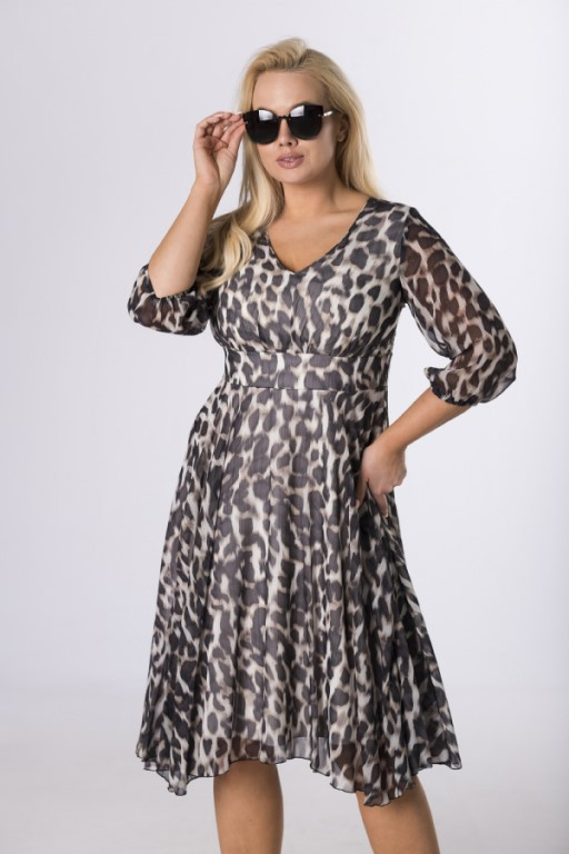 sukienka-w-rozmiarze-plus-size