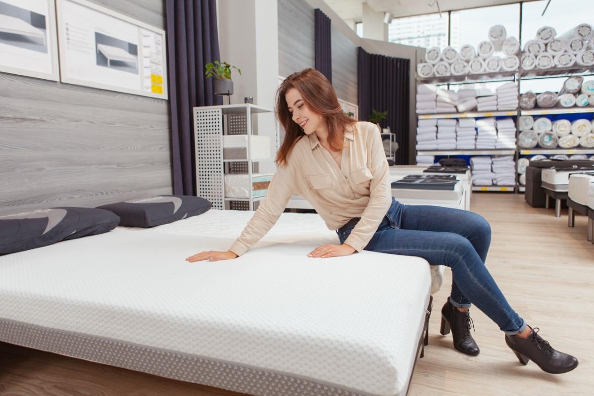 Higiena i wygoda snu, czyli pokrowiec i dopasowanie materaca do Twojego łóżka