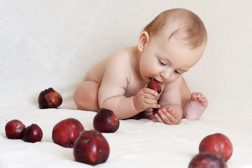 Czym karmić dziecko do pierwszego roku życia?