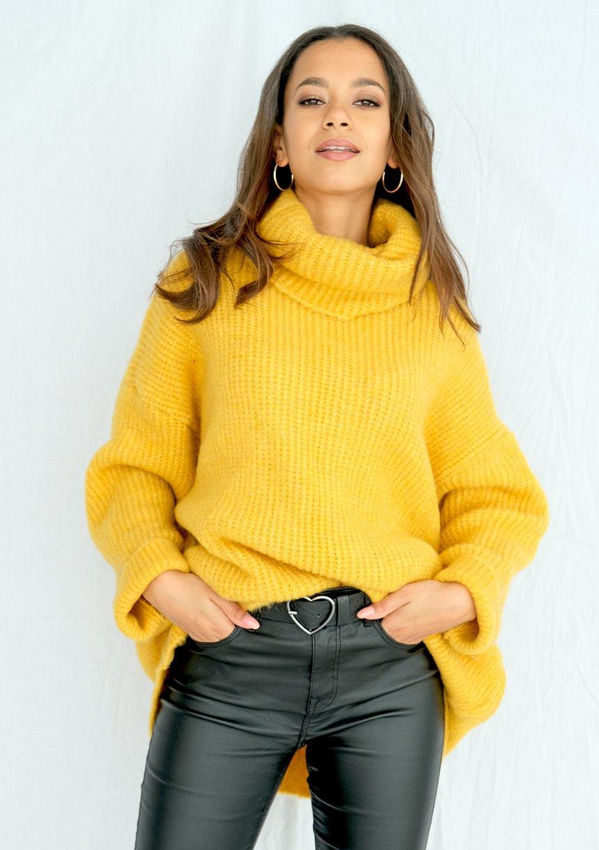 sweter-z-golfem-oversize-a007-musztardowy-ilm
